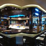 Stylish bars on Norwegian Escape