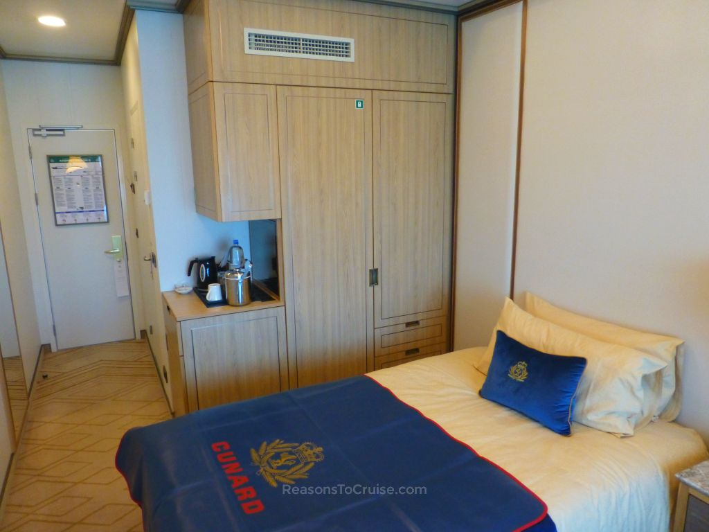 Cunard queen mary 2 single outside cabin review reasons for Royal caribbean solo cabins